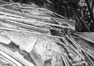 Müll II, Kreide, Kohle, 100cm x 70cm
